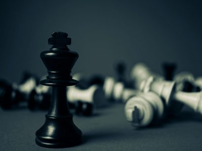 kick-chess-piece-standing-131616